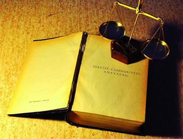 Anayasalar'ın Anayasası